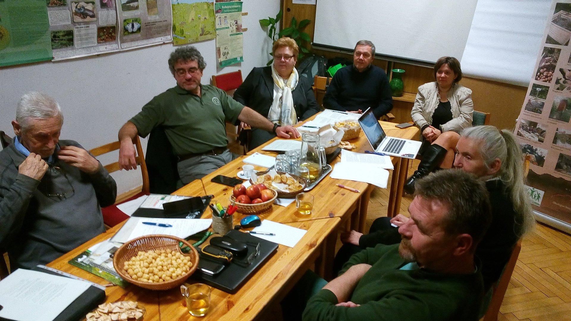 Nemzeti parkos, civil szakemberek találkozója